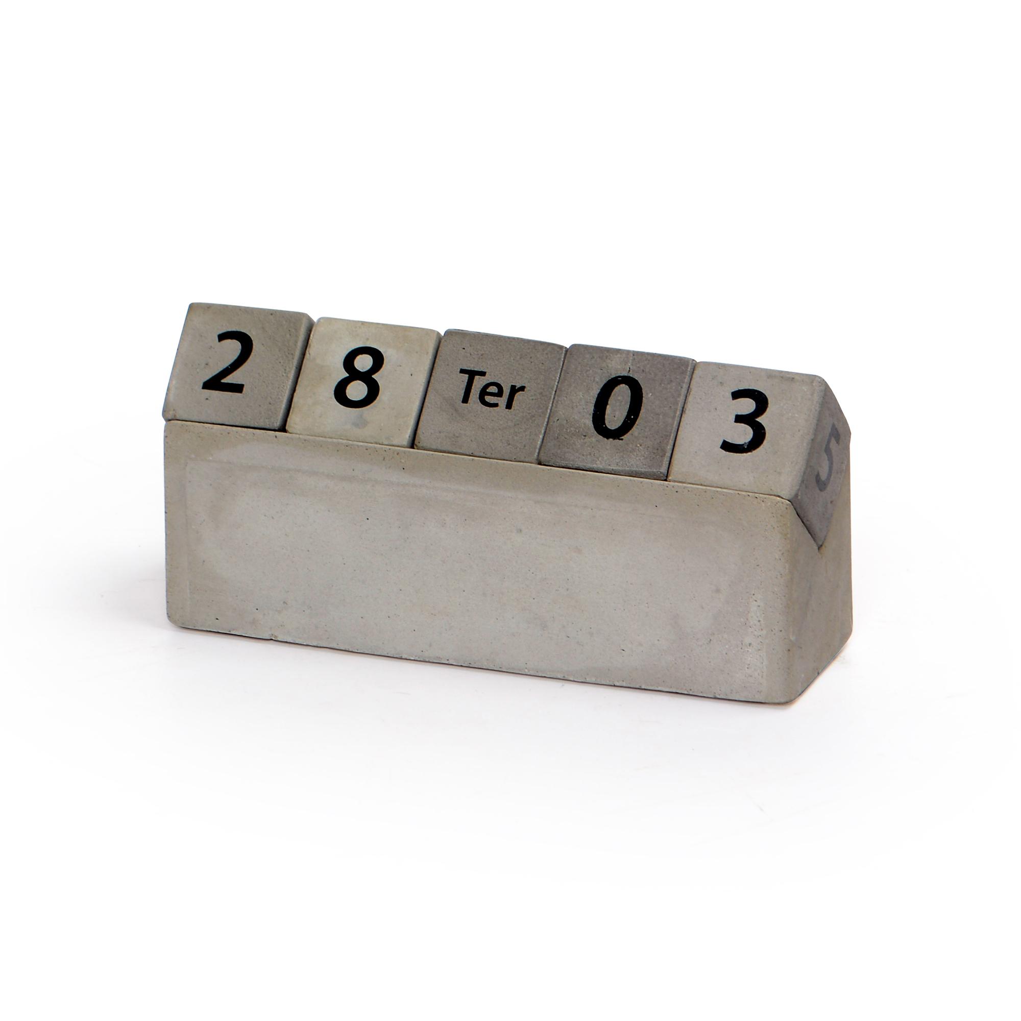 Calendário Cubo de Concreto