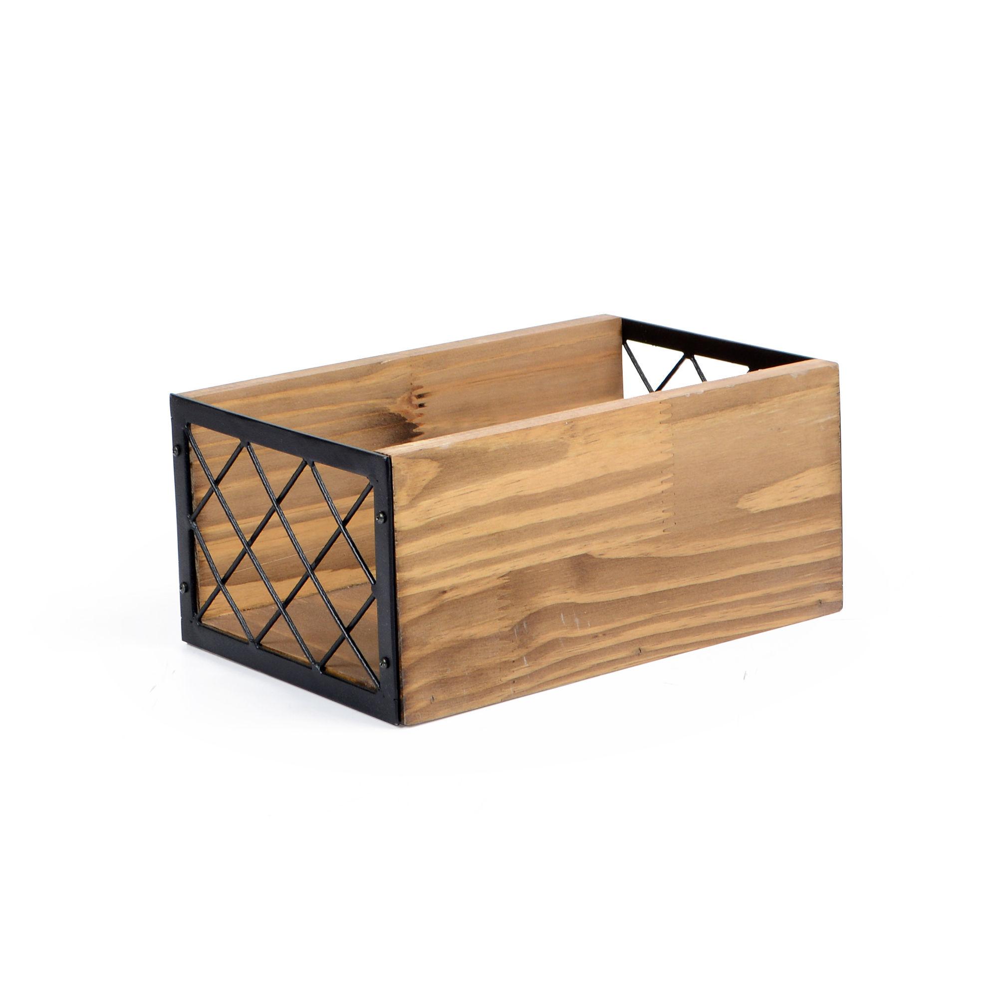 Caixote de madeira e ferro