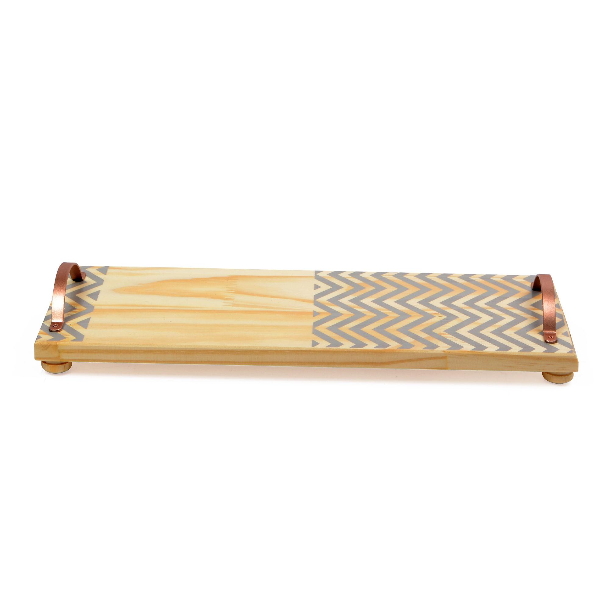 Bandeja de madeira com alça de ferro Chevron Cinza