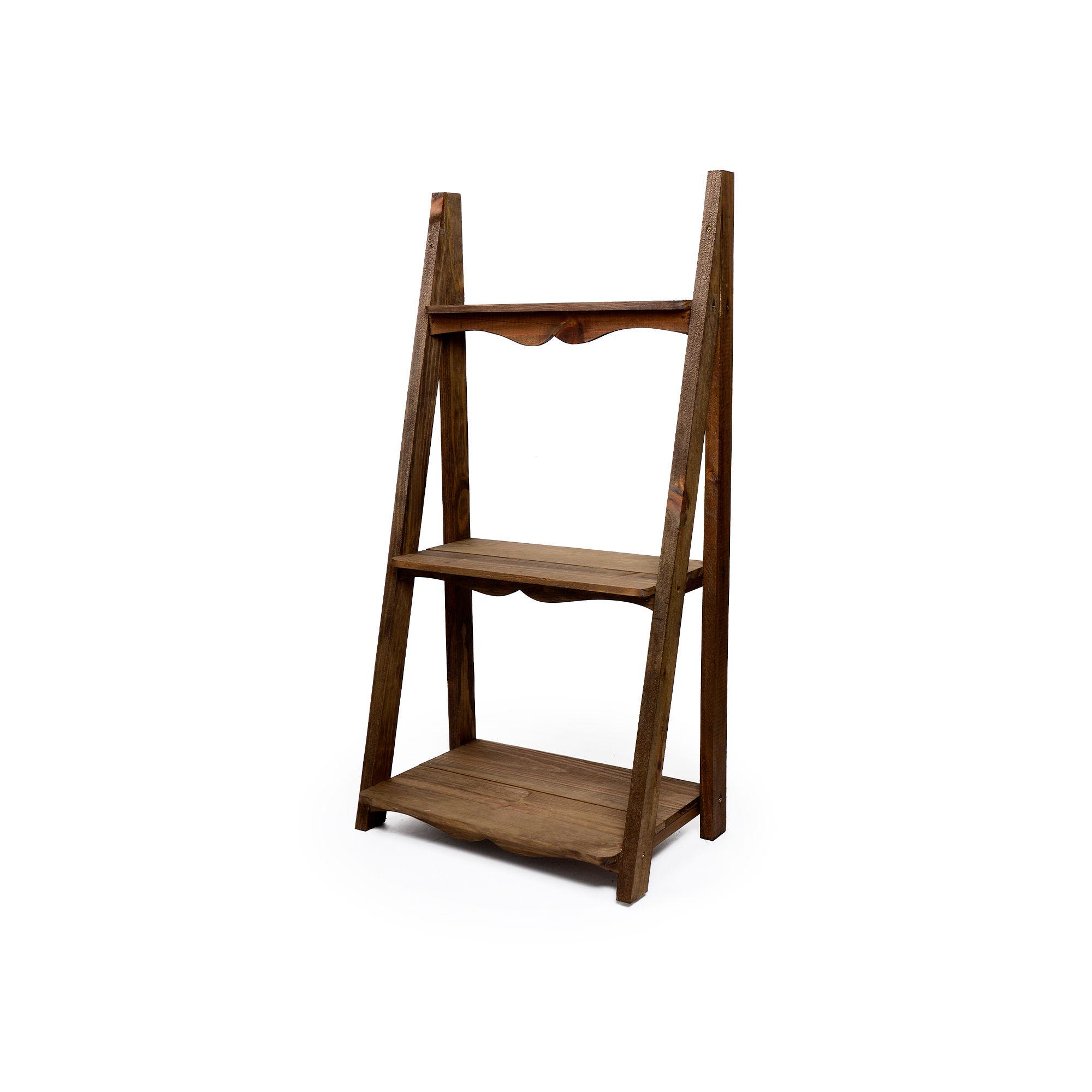 Escada de madeira com 3 andares