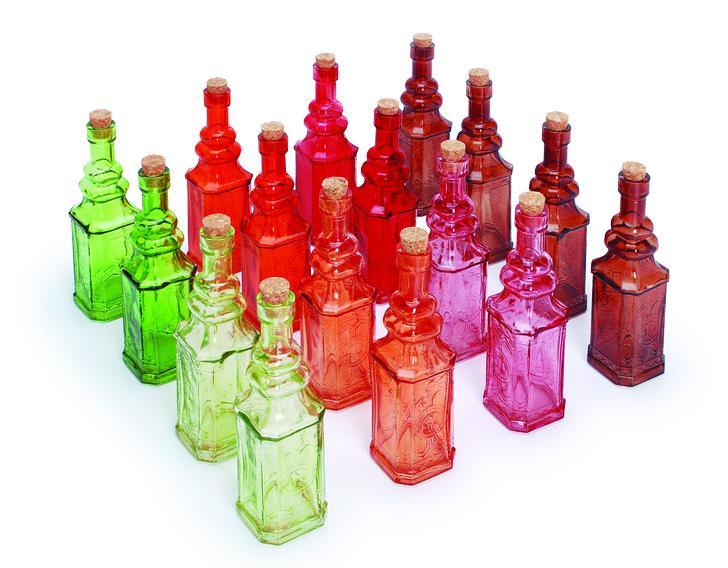 Display com 16 garrafas pequenas