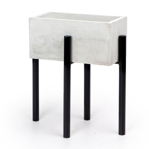 Vaso de concreto retangular com base de Ferro