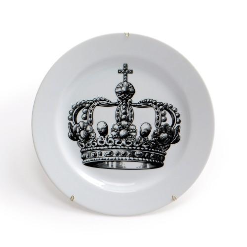 Prato de parede de porcelana Coroa