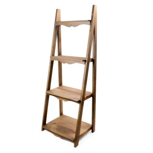 Escada de madeira com 4 andares