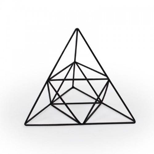 Escultura de ferro geométrica